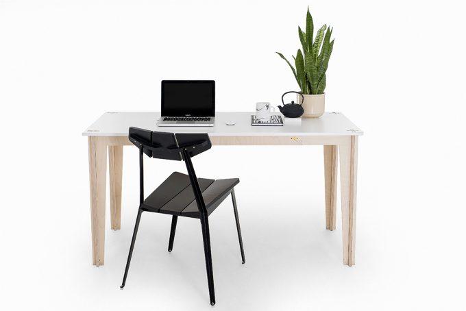 spaas-flatpack-desk-elcheapo-worker-b.jpg