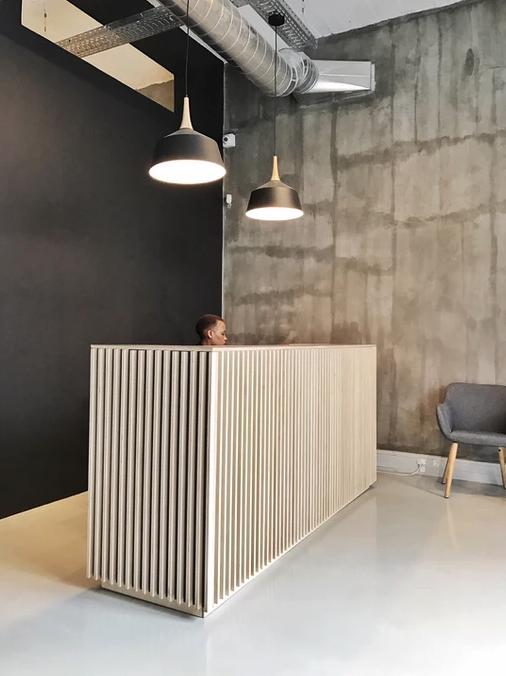 spaas-flatpack-desk-werk-hello-reception-desk.jpg